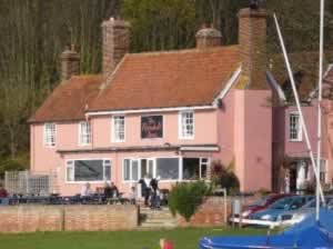 Dog friendly pubs Suffolk - The Ramsholt Arms, Woodbridge